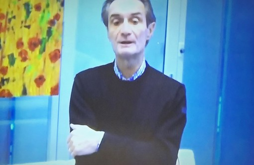 Il governatore Fontana apparso in video durante la conferenza stampa in Regione