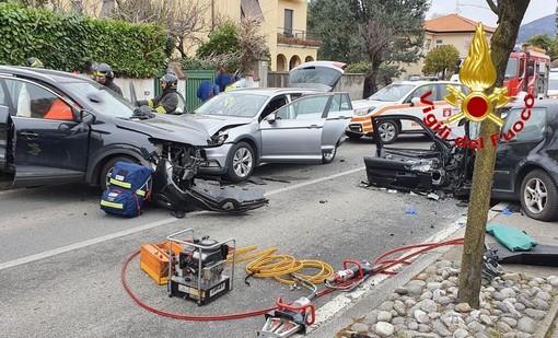Incidente sulla strada del Lago Maggiore: tre persone coinvolte e Sp 69 chiusa