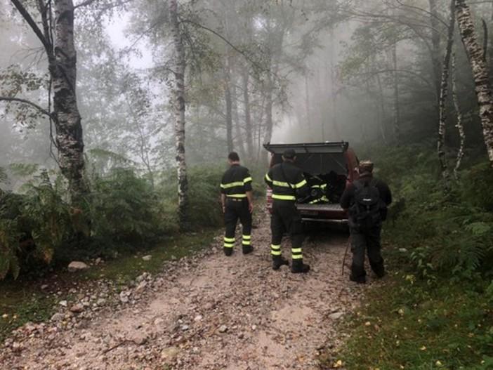 Cercatore di funghi besozzese si perde nella nebbia: recuperato dai vigili del fuoco