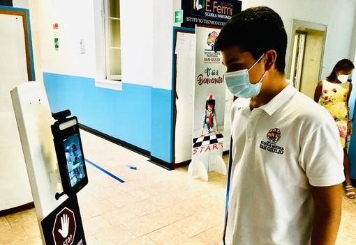 VIDEO. Viaggio al Fermi di Castellanza, dove la scuola è anche passione. Jacopo, 13 anni: «Fateci restare in classe tutto l'anno. Le regole è più facile seguirle qui che fuori»