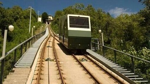 Funicolare e mezzi pubblici per un Ferragosto di relax al Sacro Monte e al Campo dei Fiori