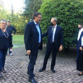 Il ministro Giorgetti accolto a Villa Calcaterra