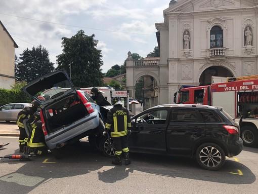 Violento schianto in via Porro a Induno: tre donne soccorse