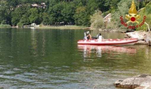 Si inabissa durante un bagno nel lago Maggiore: giovane annega a Ispra