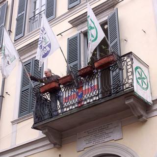 La Lega Lombarda in piazza per i tesseramenti e le raccolte firme su immigrazione, pace fiscale e stop ai vitalizi