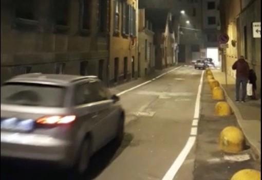 Via San Francesco: i lampioni funzionano a intermittenza
