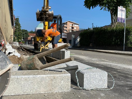 Niente più rischi per i pedoni davanti ai Miogni: un marciapiede renderà più sicuro il passaggio