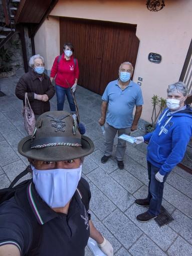 Varese, 5.700 mascherine porta a porta in 7 rioni: «Gesti così ci rendono orgogliosi di essere varesini»