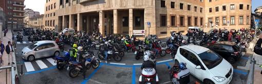 VIDEO. In piazza Monte Grappa romba la solidarietà: al via il Motogiro della Croce Rossa