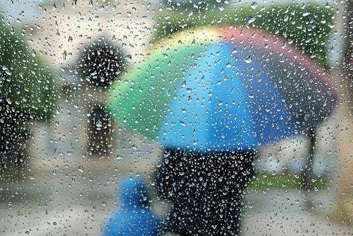In arrivo pioggia, temporali e vento su tutto il Varesotto. Scatta l'allerta della Protezione civile
