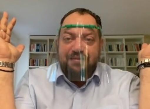 VIDEO. Coronavirus, il sindaco Reto annuncia la produzione di visiere «made in Casciago»