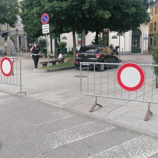 Via Veratti riapre nei fine settimana: la zona pedonale allargata per la movida resta in piazza Beccaria e via Vetera