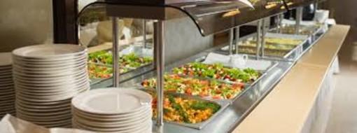 Via libera al servizio mensa per le aziende nei ristoranti e nei bar. «Non basta, il settore è al collasso»
