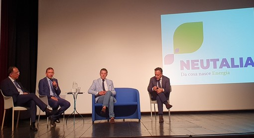La presentazione di Neutalia al teatro Lux