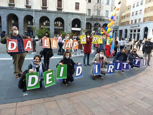 Varese dalla parte dei diritti. In piazza per la legge contro l'omotransfobia e misoginia