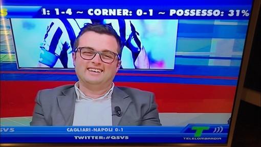 Il giornalista varesino Pino Vaccaro negli studi di Telelombardia