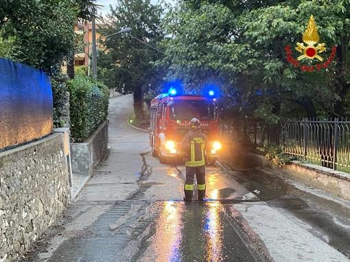 Perdita di gas Gpl in una villa a Besozzo: due abitazioni evacuate, donna messa in salvo dai vigili del fuoco