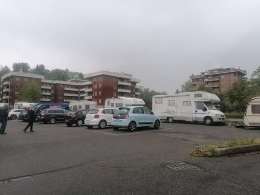 Via camper, roulotte e autocarri da piazzale Foresio e De Gasperi