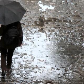 METEO. Dal pomeriggio torna la pioggia. Si rivede la neve sopra i seicento metri