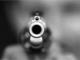 Notte movimentata in Ticino: provoca un incidente e fugge, poi minaccia la polizia con una pistola