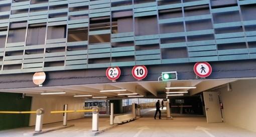 Nuovo parcheggio Sempione, Clerici non ci sta: «Opera incompleta e non basta dire che è colpa del maltempo»