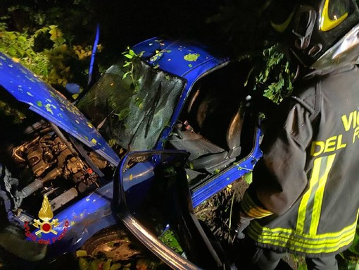 Lavena Ponte Tresa, auto fuori strada nella notte: ferite due persone