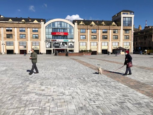 Varese, domani il mercato torna in piazza Repubblica dopo cinquant'anni. «Un luogo da tornare a vivere»