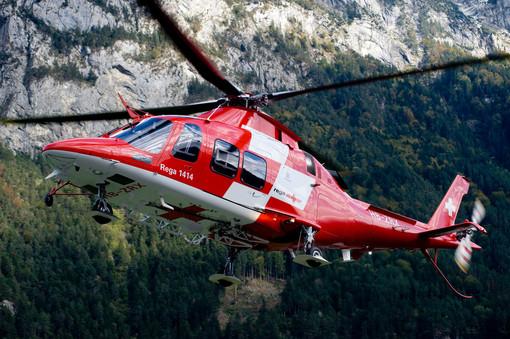 Canton Ticino, grave infortunio in montagna: scialpinista colpito alla testa da un pezzo di ghiaccio