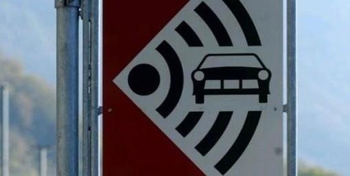 Sfrecciava a 140 chilometri all'ora, automobilista italiano nei guai in Ticino