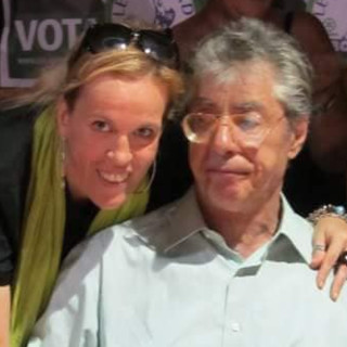 Paola Reguzzoni in una foto con Umberto Bossi postata su Facebook