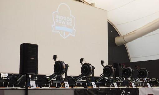 Un'immagine di un campionato indoor di Rowing
