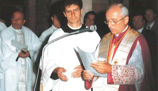 Monignor Livetti con don Isidoro. Il 7 giugno don Lolo avrebbe compiuto gli anni (foto da donisidoro.it)