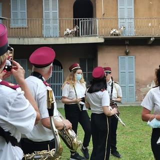 Le caprette del sindaco Puricelli accolgono la Filarmonica