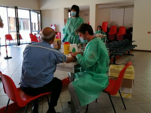 Coronavirus, lo screening continua: 400 test sierologici al giorno per fermare i contagi