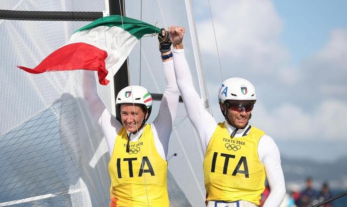 Il vento dell'oro sulla vela azzurra (foto tratta dalla pagina Facebook ufficiale di Italia Team)