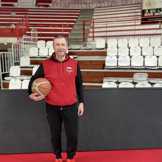 I giovani e il futuro di Varese: all'Ultima contesa coach Stefano Bizzozi