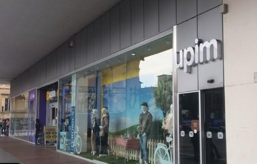 Upim chiude a Varese: a casa 12 dipendenti. Al suo posto una società cinese. «Rischiare il posto per il mancato accordo sull'affitto è inaccettabile»