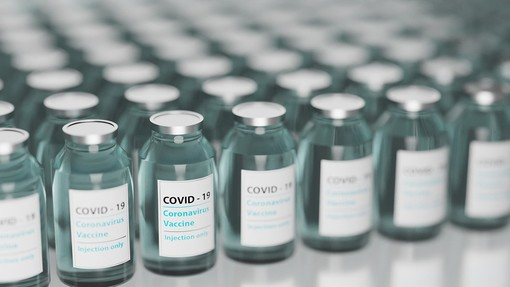 Vaccini agli over 80, la Regione: «Dal 7 aprile chi non è stato chiamato potrà farlo recandosi al centro più vicino»
