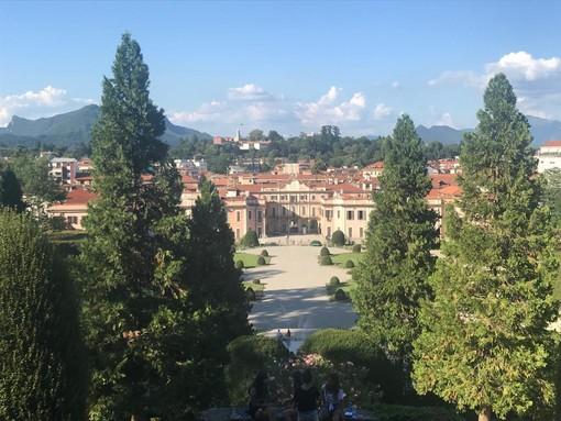 Varese: parchetti di quartiere, arrivano le nuove panchine