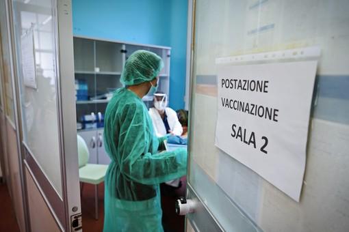 Vaccini senza prenotazione agli over 60, in provincia di Varese in una settimana 435 adesioni