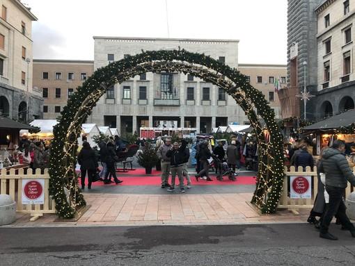 Natale a Varese, storico boom: 100mila presenze con migliaia di bimbi protagonisti. Sogno 2020: Xmas Village ai Giardini Estensi